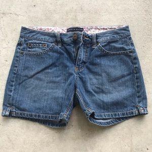 Tommy Hilfiger Denim Jean Shorts Size 4